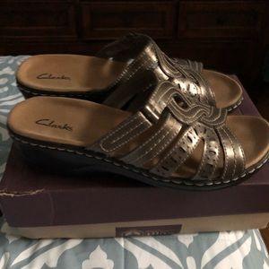 Clarks sandals women's size 9.5